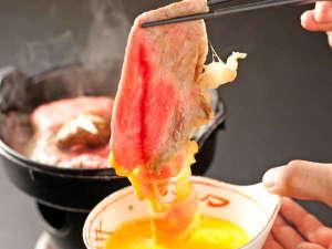 すき焼きに卵を付けて食べるのはなぜ?」 | 卵を使ったレシピ情報が満載!スタッフブログ