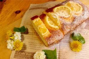 初夏にぴったり♪紅花たまごの爽やかレモンケーキ