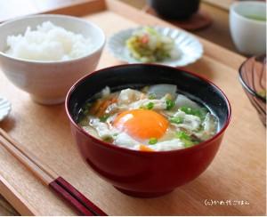 風邪かな?そんな朝は卵を使ったお味噌&醤油汁で身体からぽかぽか温まりましょう!