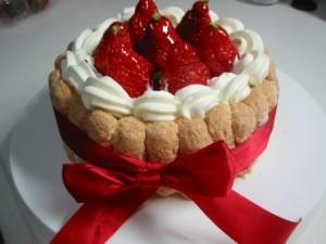 本日はビスケットの日!おしゃれで可愛いシャルロットケーキを作ってみませんか?