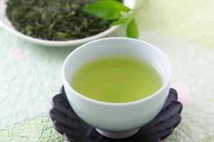5/2は緑茶の日!緑茶風味の和風ロールケーキをご紹介します!