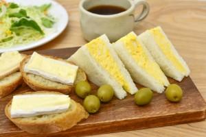 お弁当を持って出かけよう!関西風厚焼き卵サンドの作り方