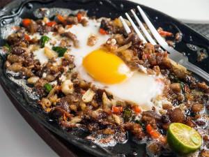 フィリピンの卵料理、シシグを作ってみませんか!