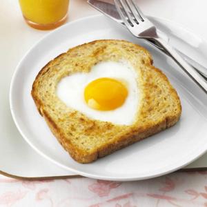インスタ映え抜群の朝食「エッグインザホール」をご紹介します