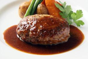通販でも大人気!米沢牛と豚肉のハンバーグステーキをご紹介します!
