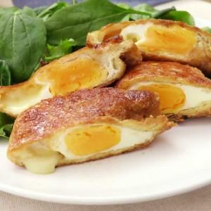 チーズの日!チーズと大葉の半熟たまごの焼き巾着