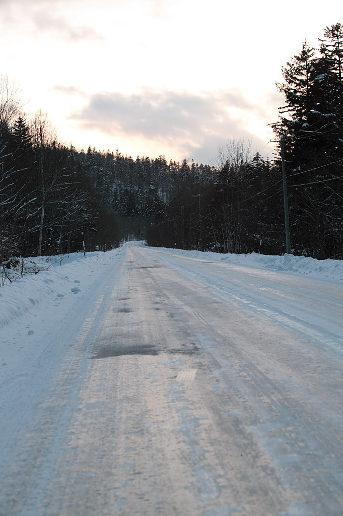 Ice_road_in_Hokkaido_001
