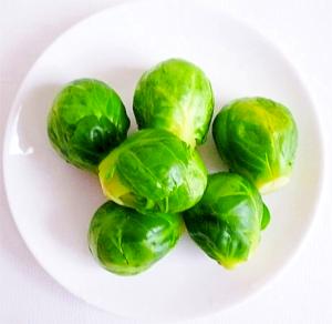 今が旬!1口サイズでコロンと可愛い芽キャベツを使ったレシピをご紹介します