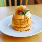 ufu uhu gardenの季節限定パンケーキ「プリンアラモードパンケーキ」をご紹介します!
