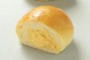 濃厚なカスタードクリームが人気の「フレッシュカスタードクリームパン」